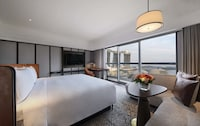 Deluxe Harbour, 1 King Bed (Newly Renovated)