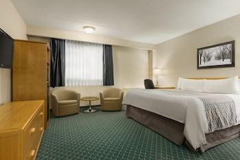Deluxe Room, 2 Queen Beds, Non Smoking, Poolside (2nd Floor)