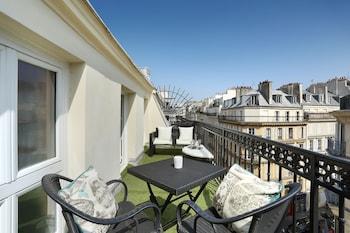 Room, Balcony