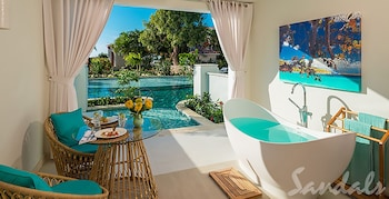 Exclusive Suite, 1 Bedroom, Pool View (Crystal Lagoon Swim-up w/Patio)