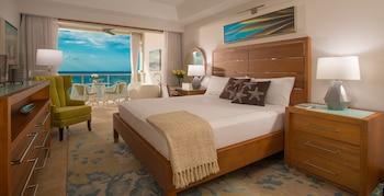 Luxury Suite, 1 Bedroom, Ocean View (Beachfront Grande Luxe with Balcony)