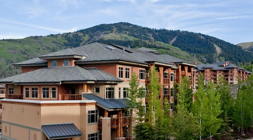 . Sundial Lodge by All Seasons Resort Lodging