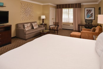 One King Bed, Whirlpool Suite