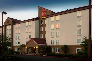 Hotel - Red Roof Inn PLUS+ Long Island - Garden City