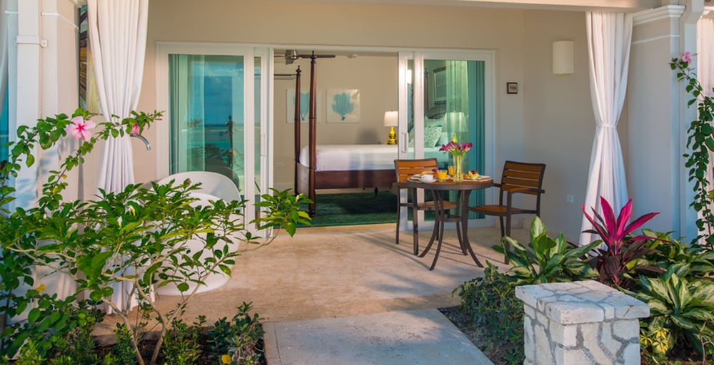 Junior Suite, Balcony (Crystal Lagoon Hideaway)