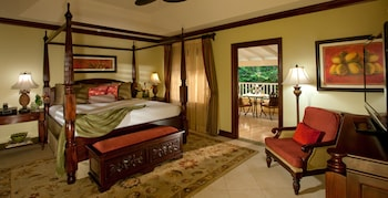 Honeymoon Suite, 1 Bedroom, Garden View (Crystal Lagoon Butler Suite)
