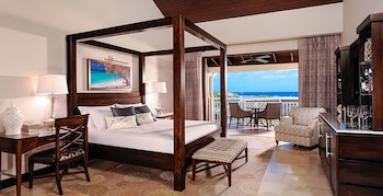 Suite, 1 Bedroom, Partial Ocean View (Romeo and Juliet with Balcony)
