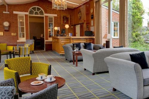 . Best Western Moore Place Hotel