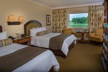 Lodge Standard 2 Queen Room