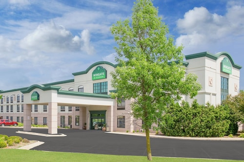 . Wingate by Wyndham Green Bay/Airport