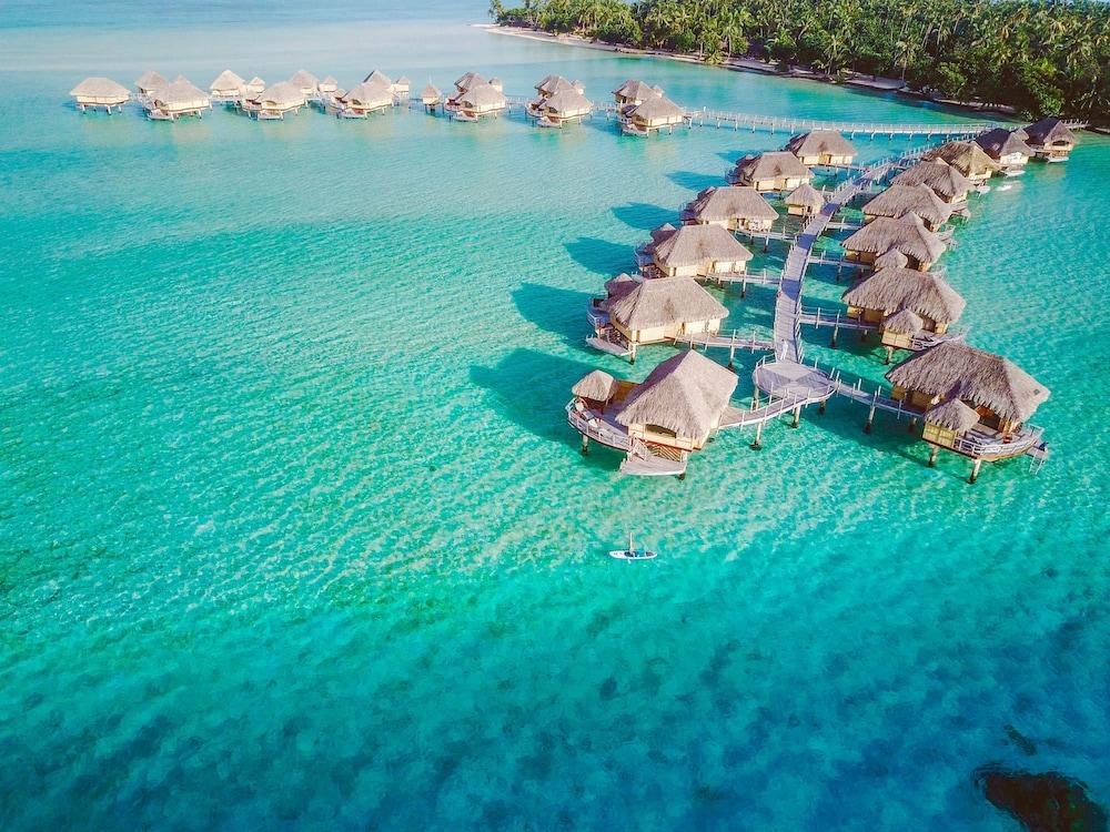https://i.travelapi.com/hotels/1000000/870000/867200/867189/12e9218d_z.jpg
