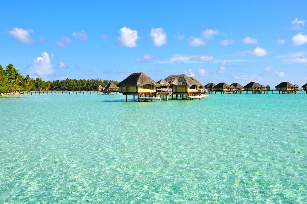 https://i.travelapi.com/hotels/1000000/870000/867200/867189/1abdbae7_z.jpg
