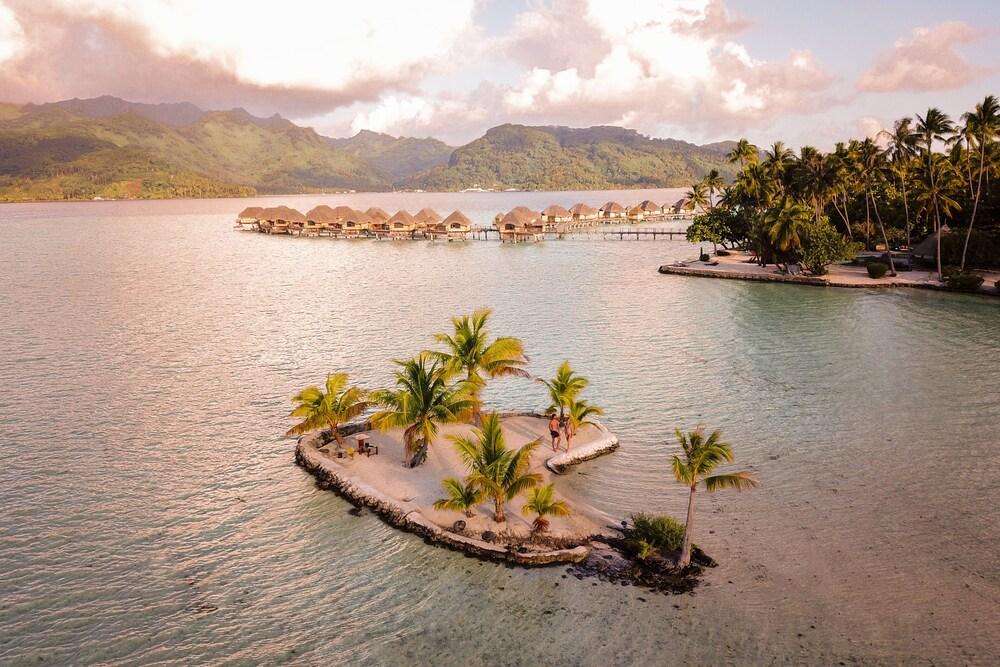https://i.travelapi.com/hotels/1000000/870000/867200/867189/28cdb8ef_z.jpg