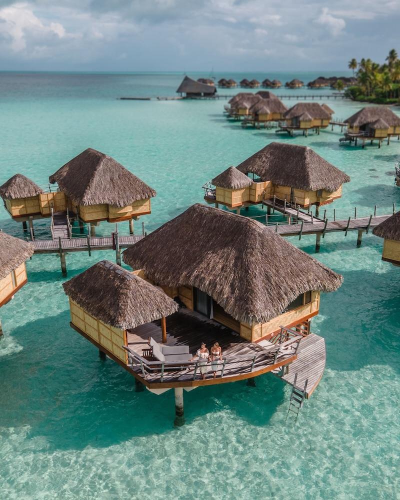https://i.travelapi.com/hotels/1000000/870000/867200/867189/4ac5ec24_z.jpg