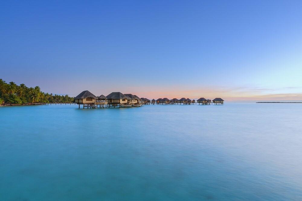 https://i.travelapi.com/hotels/1000000/870000/867200/867189/5a27e2a4_z.jpg