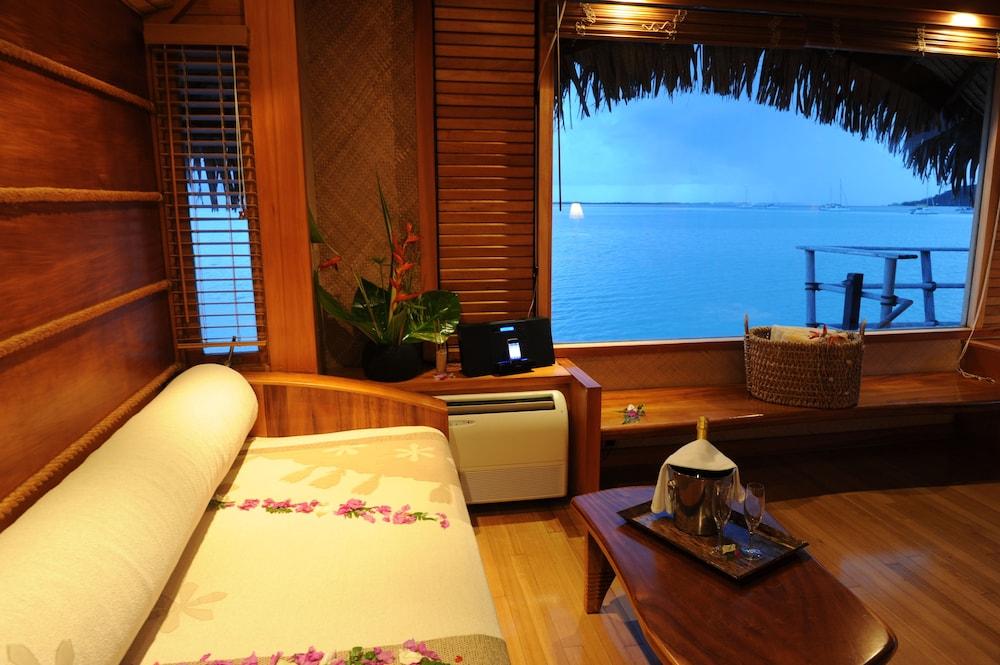 https://i.travelapi.com/hotels/1000000/870000/867200/867189/68ce7ada_z.jpg