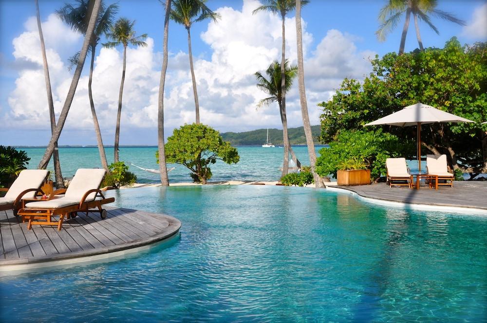 https://i.travelapi.com/hotels/1000000/870000/867200/867189/6a24416c_z.jpg
