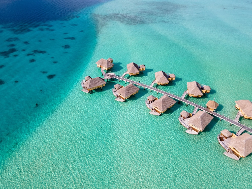 https://i.travelapi.com/hotels/1000000/870000/867200/867189/8500026c_z.jpg