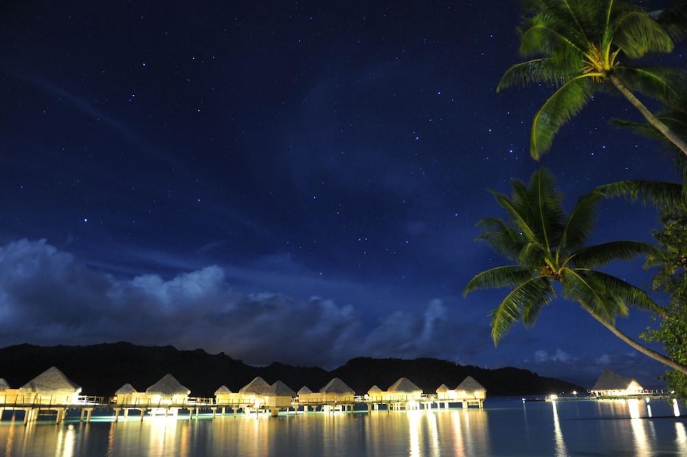 https://i.travelapi.com/hotels/1000000/870000/867200/867189/d8a45185_z.jpg
