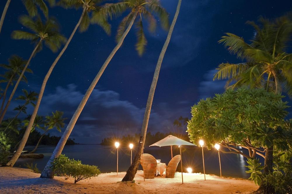 https://i.travelapi.com/hotels/1000000/870000/867200/867189/e9a919ad_z.jpg