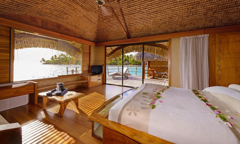 https://i.travelapi.com/hotels/1000000/870000/867200/867189/ed746a4e_z.jpg