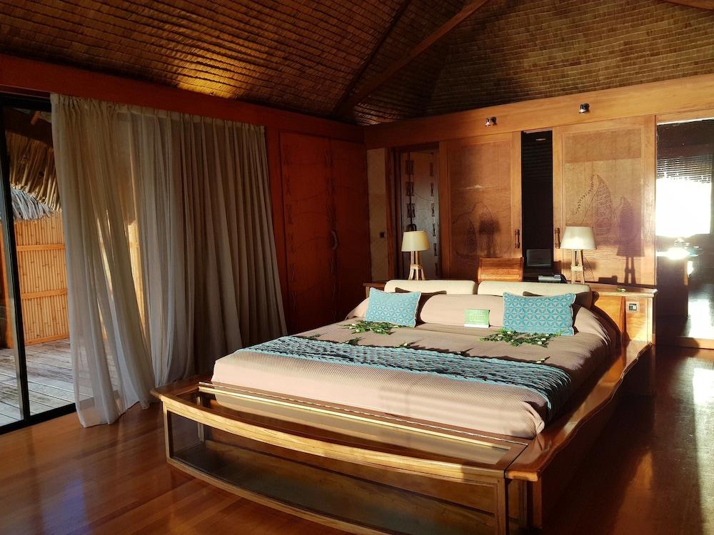 https://i.travelapi.com/hotels/1000000/870000/867200/867189/f0d41f87_z.jpg