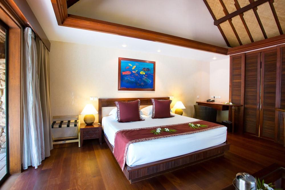 https://i.travelapi.com/hotels/1000000/870000/867200/867190/2ed9f51c_z.jpg