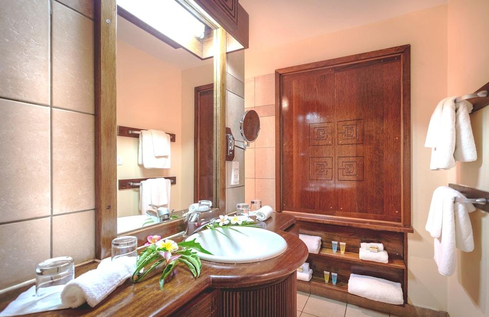 https://i.travelapi.com/hotels/1000000/870000/867200/867190/43268e30_z.jpg