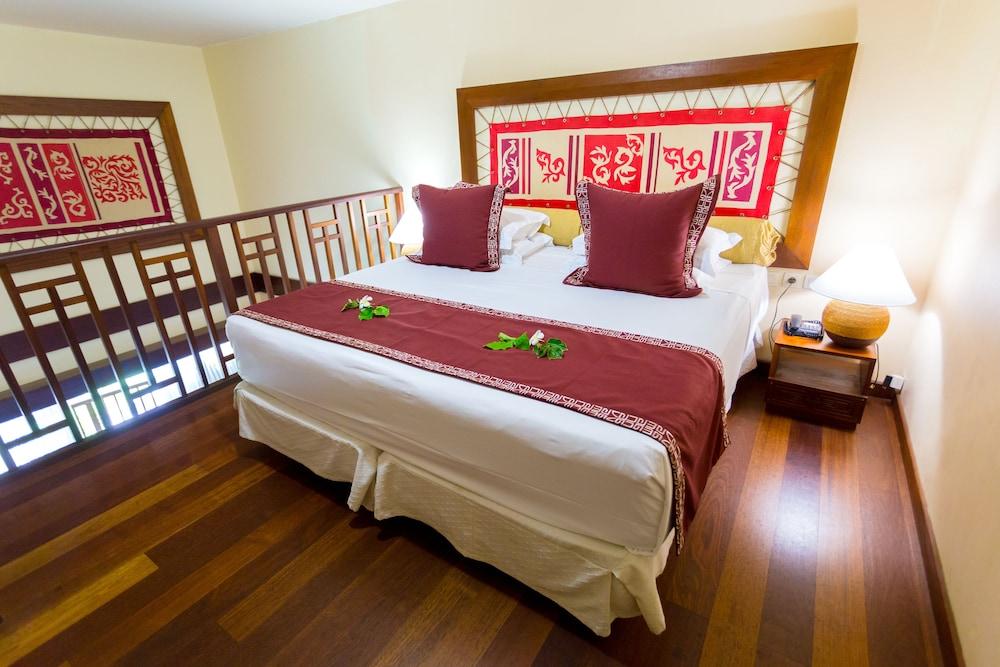 https://i.travelapi.com/hotels/1000000/870000/867200/867190/75e2e3e9_z.jpg
