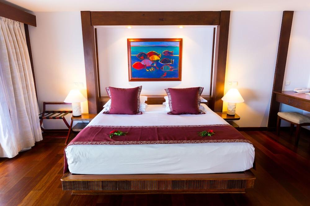 https://i.travelapi.com/hotels/1000000/870000/867200/867190/a5d9b315_z.jpg