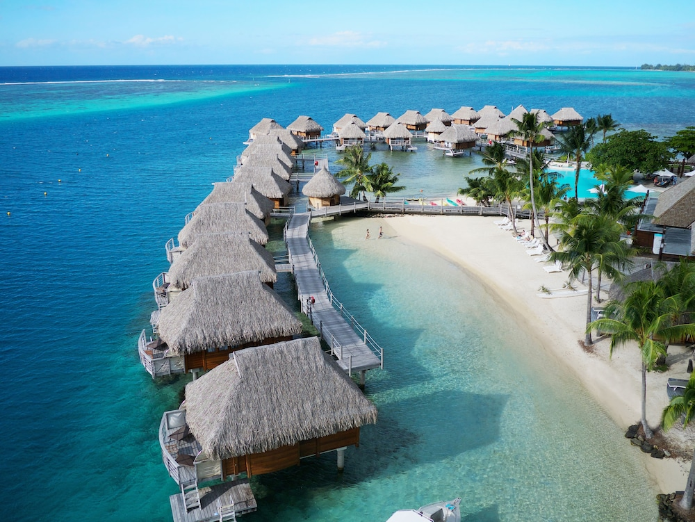 https://i.travelapi.com/hotels/1000000/870000/867200/867190/b61915a5_z.jpg