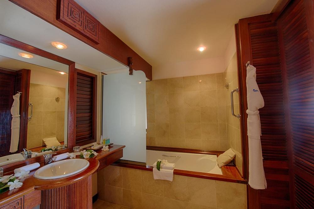 https://i.travelapi.com/hotels/1000000/870000/867200/867190/d07a0239_z.jpg
