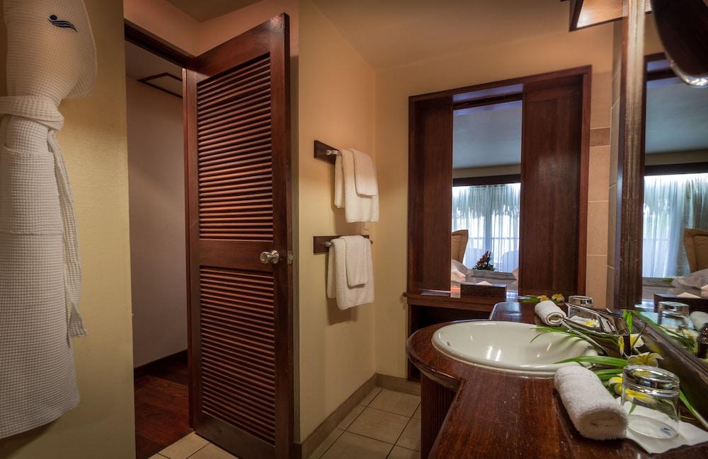 https://i.travelapi.com/hotels/1000000/870000/867200/867190/ecea044c_z.jpg