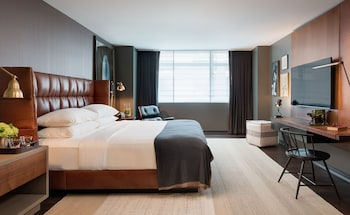 Premier Room, 1 King Bed, Accessible