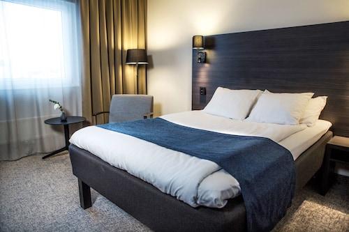 __{offers.Best_flights}__ Best Western Hotel Scheele
