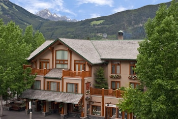 Hotel - Brewster's Mountain Lodge