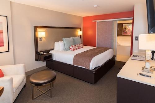 . City Loft Hotel