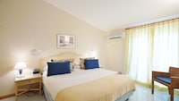 Double or Twin Room, Garden View, Annex Building (150 meters away from main building)