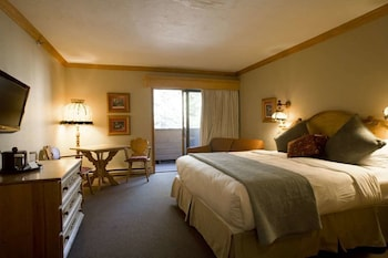 Standard Room, 1 King Bed with Sofa bed (Tyrolean)