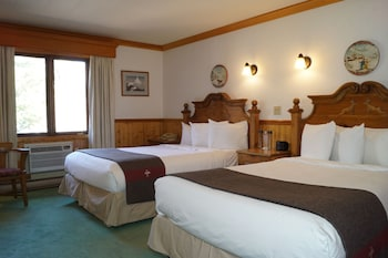 Standard Double Room, 2 Double Beds (Bavarian)