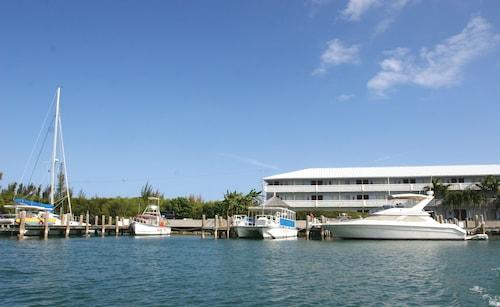 . Flamingo Bay Hotel & Marina at Taino Beach