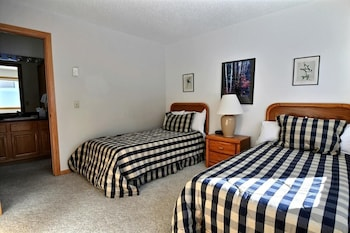 Standard Condo, 3 Bedrooms
