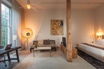 Artist Loft, 1 King Bed