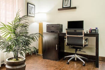 New Orleans Vacations - Sleep Inn & Suites Metairie - Property Image 1