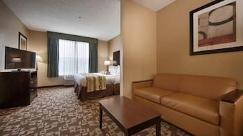 Junior Suite, 1 King Bed with Sofa bed, Accessible, Bathtub (with Sofabed)
