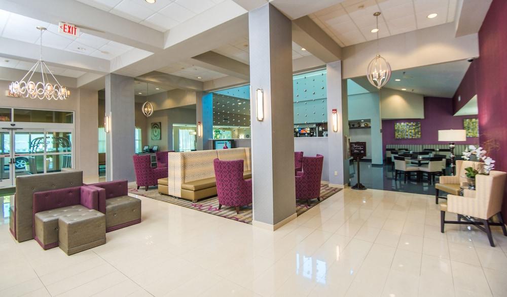 https://i.travelapi.com/hotels/1000000/880000/871300/871240/51a8f321_z.jpg