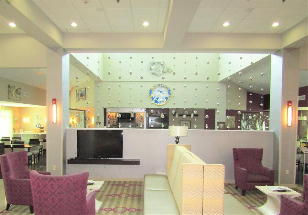 https://i.travelapi.com/hotels/1000000/880000/871300/871240/c351857e_z.jpg