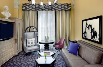Suite, 1 King Bed with Sofa bed (Mediterranean)