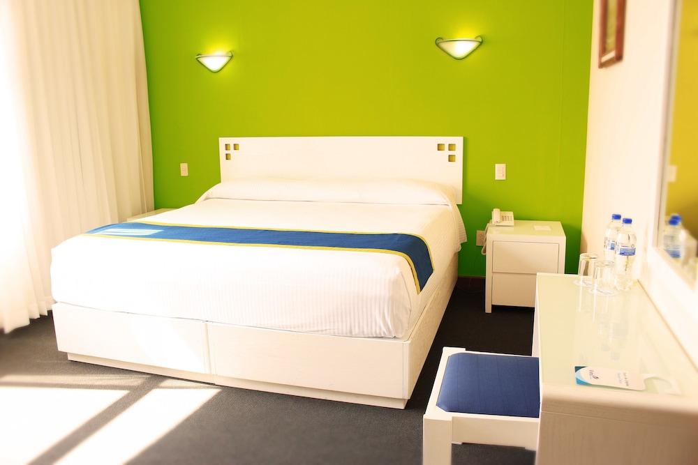 Hotel Vista Express Morelia, Morelia