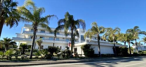 __{offers.Best_flights}__ Hotel Clorinda